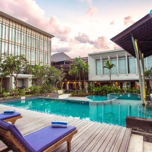 Menginap di The Lerina Hotel Murah 2017